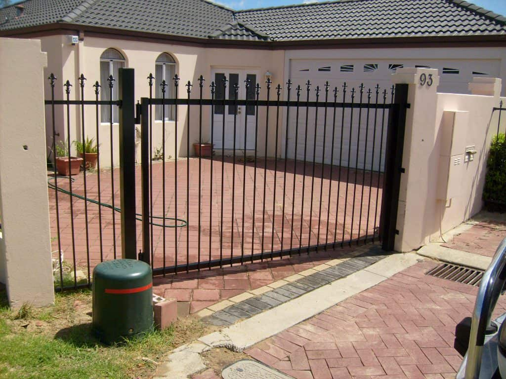 Staggered Spear Swing Gate